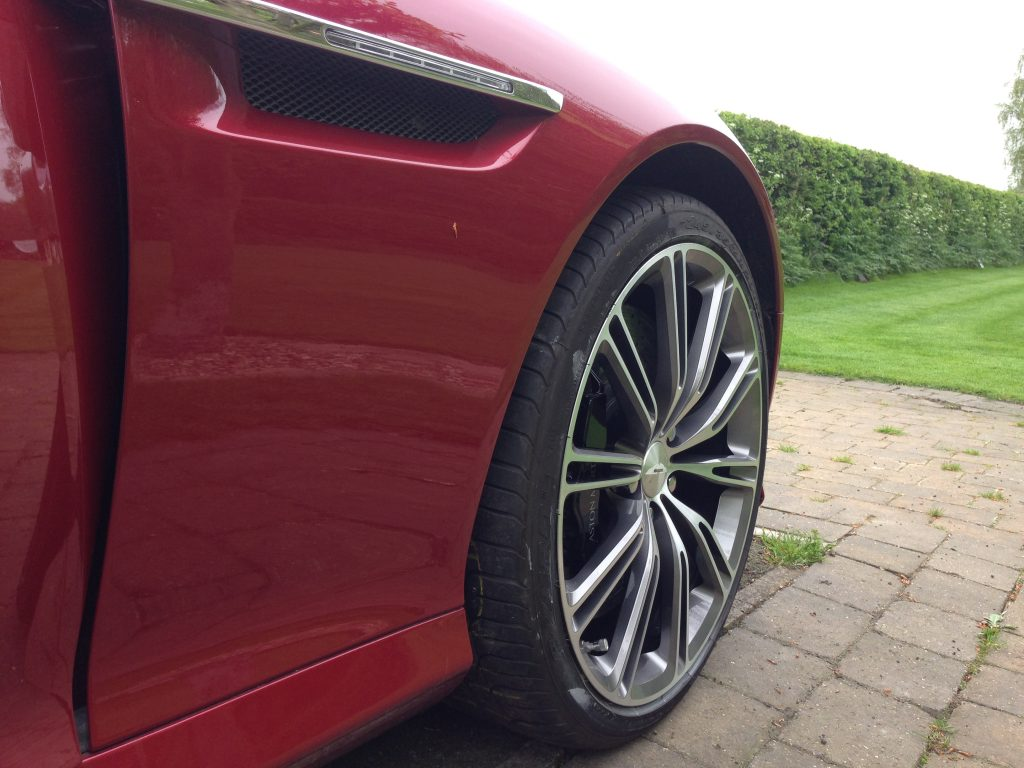 Aston Martin Diamond wheel refurbishment