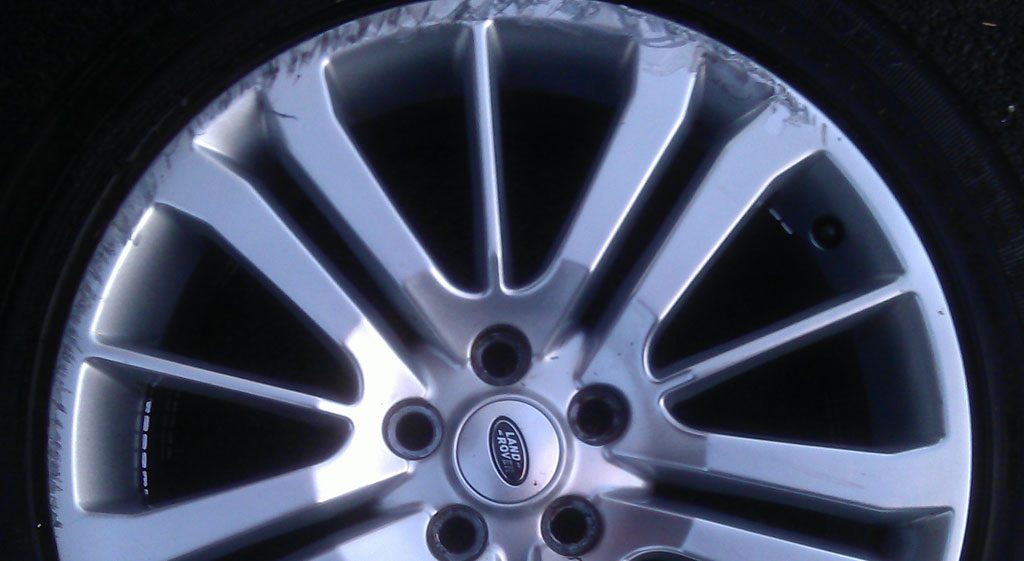 Kerb alloy wheel damage manchester